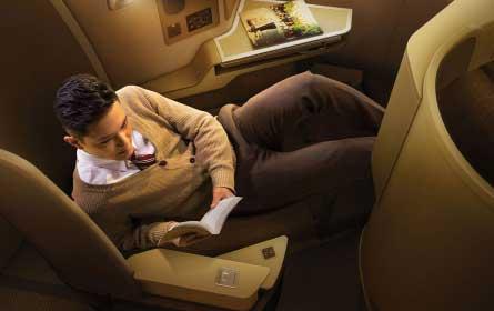 飞机坐哪个位置最舒适